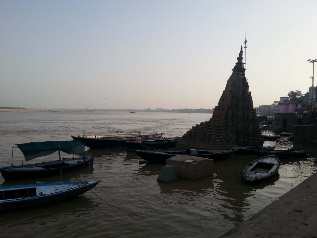 Manikarnika Submerged Shiva Temple