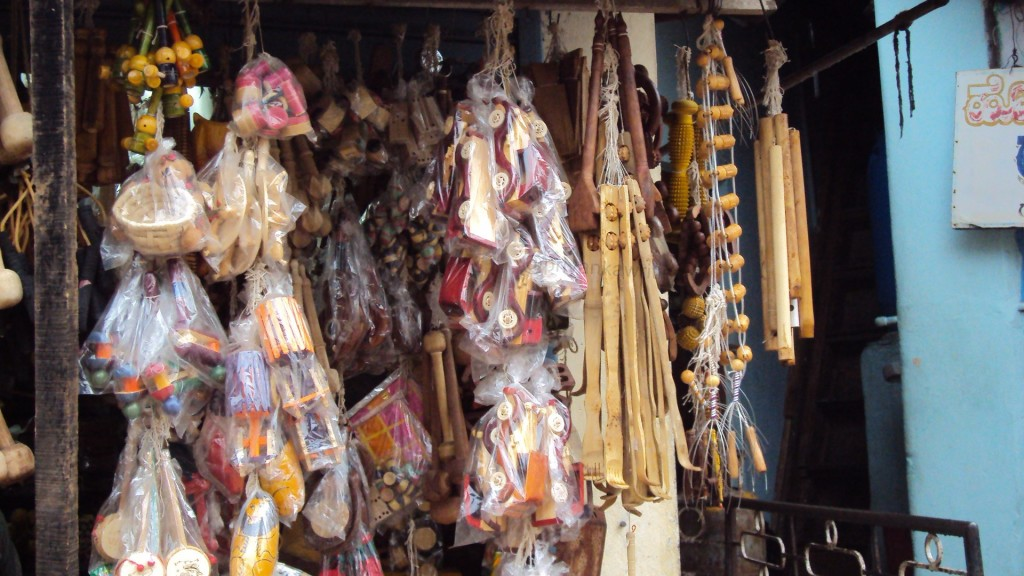 Interesting curios ...these are all wooden stuff....
