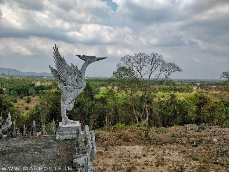 Bangkok to Pattaya Cycling Route: Temple on the hill